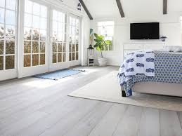 tips-choosing-contractor-wood-floor-install-03